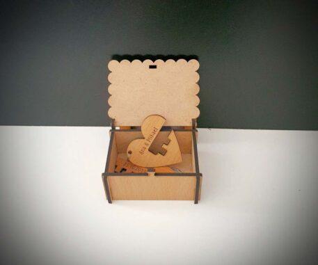 kutijica i privjesak